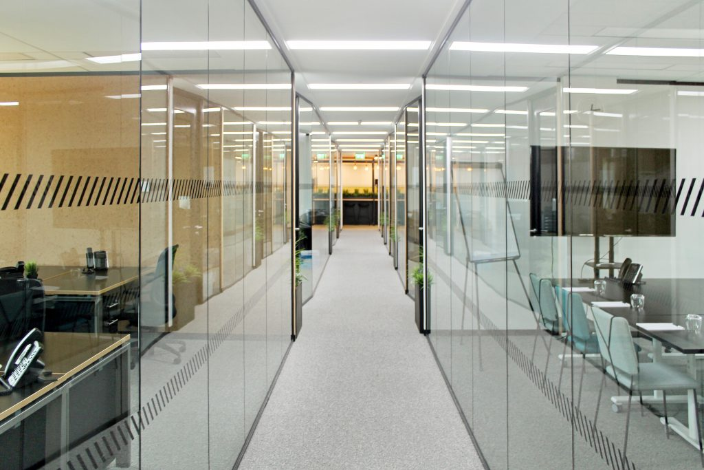 Logika 6000/5000 Frameless full height glazing